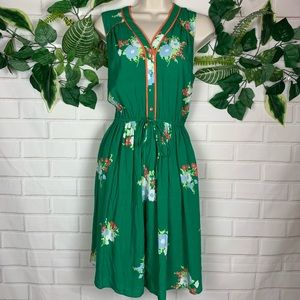 Women's green floral sleeveless dress